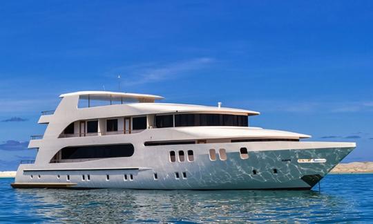 дайвинг сафари Мальдивы яхта Адора